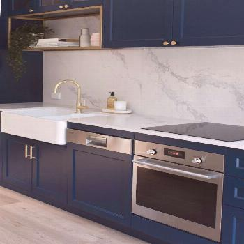 Erskineville kitchen before and after: From poky and brown veneer to a luxe navy blue kitchen kitch