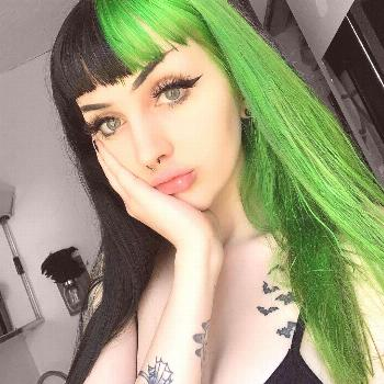 Green+Black Split   @horrorhailey shines in our Aurora Green - use our Split Pack to get your own t