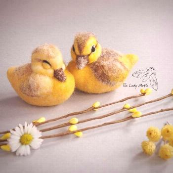 Needle felted ducklings - super cute yellow ducks