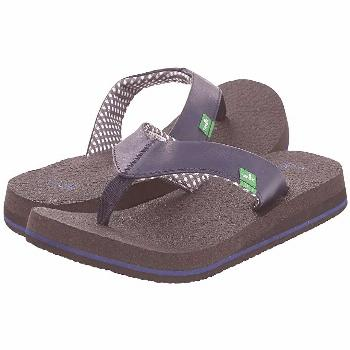 Sanuk Yoga Mat (Navy) Women's Sandals. Breathe in breathe out You will be in complete serenity when